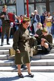Os atores novos executam na rua imagens de stock royalty free