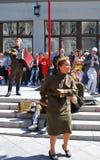 Os atores novos executam na rua fotografia de stock royalty free