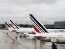 Os aviões comerciais de Air France no aeroporto de CDG Fotografia de Stock