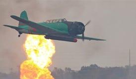 Os aviões da segunda guerra mundial Reenact o ataque do Pearl Harbor Fotos de Stock Royalty Free