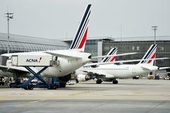 Os aviões de Air France são vistos em Charles de Gaulle International Fotografia de Stock Royalty Free
