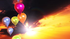 Os balões coloridos e o lapso de tempo do por do sol nublam-se, a metragem conservada em estoque ilustração stock