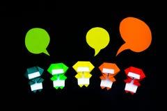 Os balões feitos a mão do origâmi com Ninja Kids no Backg preto Imagem de Stock Royalty Free