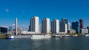Os bancos do Meuse novo em Rotterdam nos Países Baixos fotos de stock royalty free