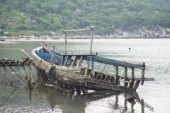 Os barcos de pesca em Vinh Hy latem, Vietname Imagem de Stock Royalty Free