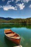 Os barcos no lago Imagens de Stock Royalty Free