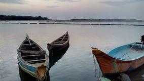 Os barcos no rio Godavari Fotografia de Stock Royalty Free