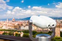 Os binóculos a fichas com vista de Florença, Toscânia, Itália Foto de Stock