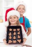 Os bolinhos do Natal estão prontos imagens de stock royalty free
