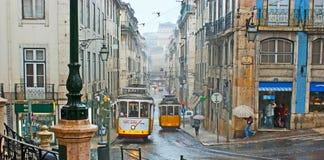 Os bondes em Lisboa chuvosa Foto de Stock Royalty Free