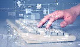 Os botões do teclado pressionaram à mão com elevação - ícones da tecnologia Imagens de Stock Royalty Free