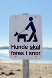 Os cães em uma trela assinam dentro o dinamarquês Imagem de Stock Royalty Free