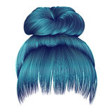 Os cabelos do bolo com azul da franja colorem o estilo da beleza da forma das mulheres Fotografia de Stock
