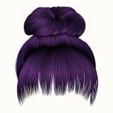 Os cabelos do bolo com roxo da franja colorem o st da beleza da forma das mulheres Fotografia de Stock Royalty Free