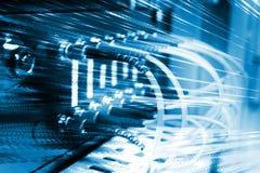 Os cabos óticos da fibra conectaram a um interruptor Fotos de Stock Royalty Free