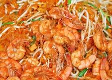 Os camarões acolchoam tailandês imagem de stock