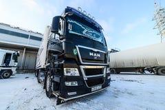 Os caminhões estão na carga no armazém Imagem de Stock Royalty Free