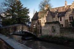 Os canais de Bruges, Bélgica fotos de stock