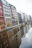 Os canais de Hamburgo no Elbe River Fotografia de Stock