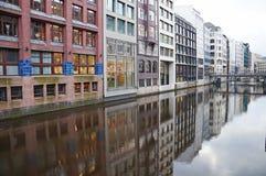 Os canais de Hamburgo no Elbe River Fotos de Stock Royalty Free