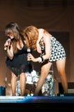Os cantores da mulher vivem Imagens de Stock Royalty Free