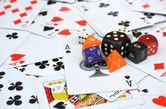 Os cartões e cortam Imagem de Stock