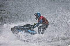 Os cavaleiros profissionais do esqui do jato competem na excursão do mundo de IFWA fotografia de stock