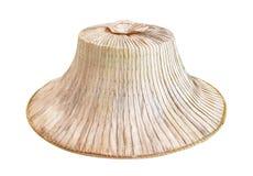 Os chapéus do camponês da palma isolados no fundo branco com trajeto de grampeamento, tailandês tradicional handcraft os testes p foto de stock royalty free