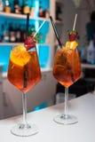 Os cocktail Aperol Spritz fotografia de stock