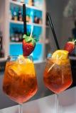 Os cocktail Aperol Spritz fotos de stock royalty free