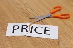 Os conceitos de scissor o corte - preço Fotografia de Stock Royalty Free