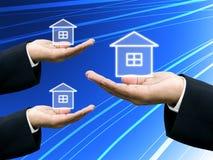 Os construtores oferecem o projeto da casa Imagens de Stock Royalty Free