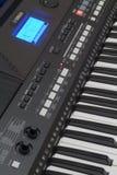 Os controles e o teclado do sintetizador Imagem de Stock