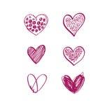 Os corações decorativos cor-de-rosa tirados mão ajustaram-se no fundo branco Foto de Stock Royalty Free