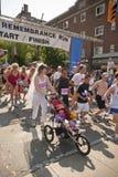 Os corredores participam na raça da relembrança Foto de Stock