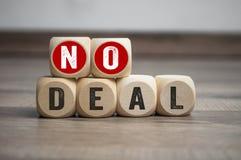 Os cubos cortam sem o negócio imagens de stock royalty free