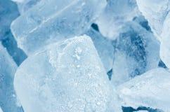 Os cubos de gelo fecham-se acima Fotos de Stock Royalty Free