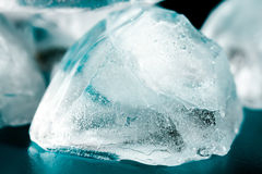 Os cubos de gelo fecham-se acima Imagens de Stock