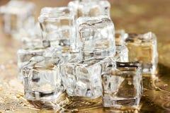 Os cubos de gelo fecham-se acima Imagem de Stock