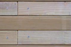 Os dados de madeira parafusaram imagens de stock royalty free