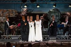 Os dançarinos girando turcos ou dançarinos girando de Sufi em Spirito Fotografia de Stock Royalty Free