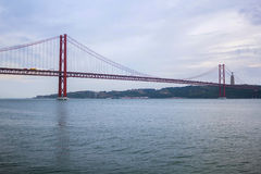 Os 25 de abril Bridge, Lisboa, Portugal Imagem de Stock Royalty Free