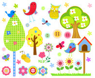 Os desenhos animados bonitos ajustaram - a árvore, os pássaros, as flores, as borboletas etc. Imagens de Stock Royalty Free