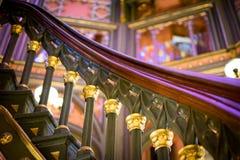 Os detalhes do corrimão da escadaria espiral no Louisiana velho indicam a construção do Capitólio fotografia de stock