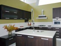 Os detalhes modernos da cozinha Fotografia de Stock Royalty Free