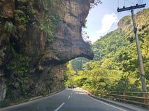 Os diabos cheiram, igualmente sabido como 'la nariz del diablo ', uma figura da rocha ou uma forma famosa na estrada de Bogotá a  imagem de stock