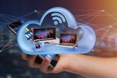 Os dispositivos gostam do smartphone, da tabuleta ou do computador indicados em uma nuvem Foto de Stock
