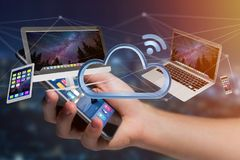 Os dispositivos gostam do smartphone, da tabuleta ou do computador voando sobre o connecte Imagem de Stock Royalty Free