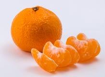 Os dois mandarino no fundo branco foto de stock royalty free
