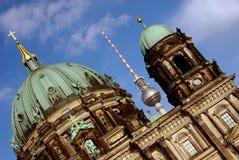 Os DOM do berlinês e Fernsehturm, Berlim Imagem de Stock